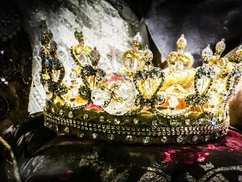 英国女王の王冠の画像
