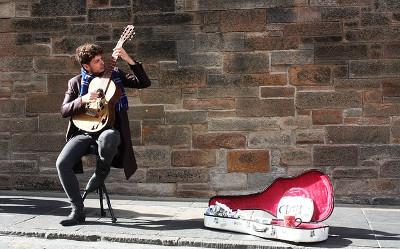 Edinburgh エディンバラのストリートミュージシャン