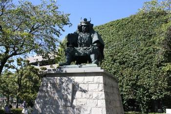 甲州・武田信玄の彫像の画像
