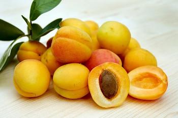 アプリコット Apricots