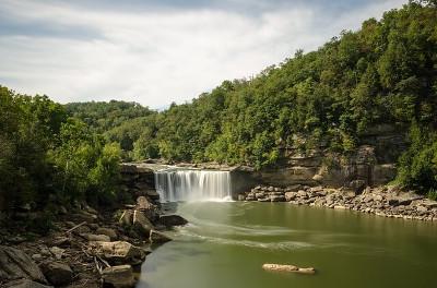 Cumberland River ケンタッキー州のカンバーランド川