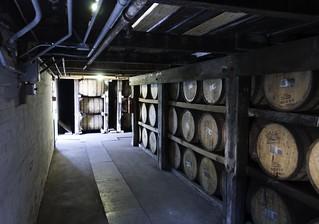 バッファロートレース蒸留所の貯蔵庫の画像