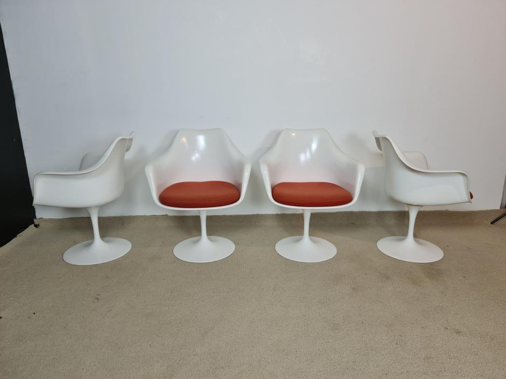 4 fauteuils Tulipe d Eero Saarinen édition Knoll international.