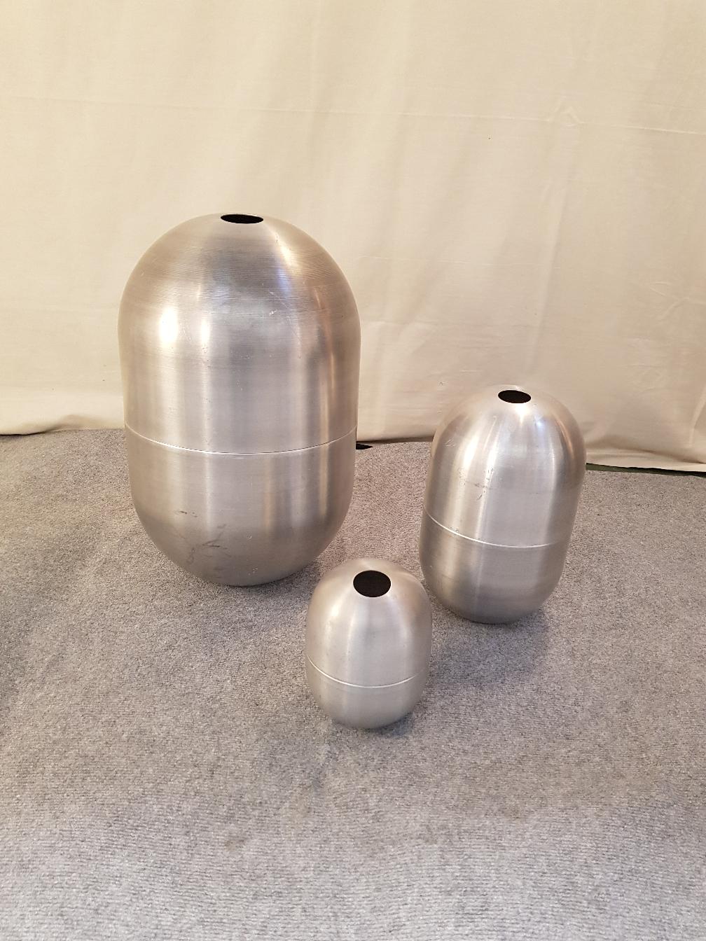 Vases Culbuto en aluminium