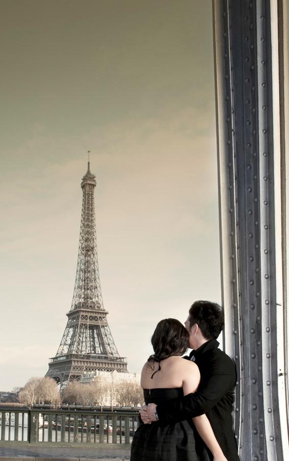 A Paris Photographer - Eiffel Tower photography in Paris