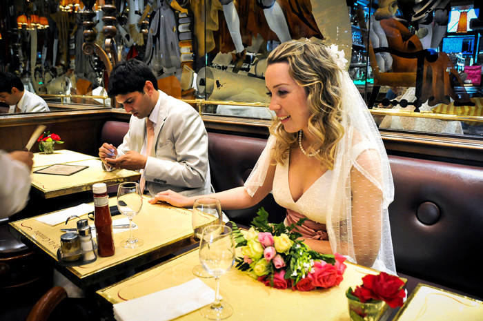 a Paris Photographer - Wedding Paris photographer - Café in Paris