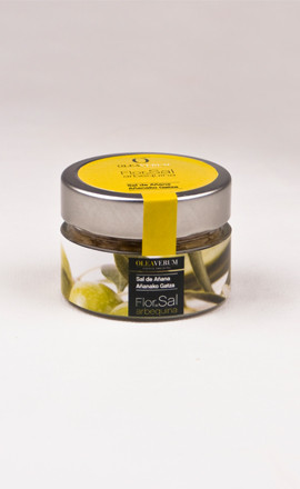 オレアヴェルム フロール・デ・サル 魚・肉料理の仕上げに。アクセントとして。 塩田で製塩された塩の結晶をアルベキーナオイルで風味付けしました。