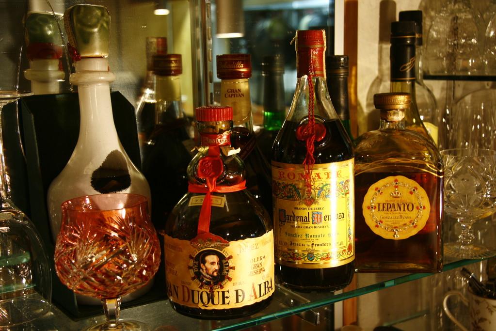 ヘレスにはシェリー酒だけでなくさまざまなブランディもございます