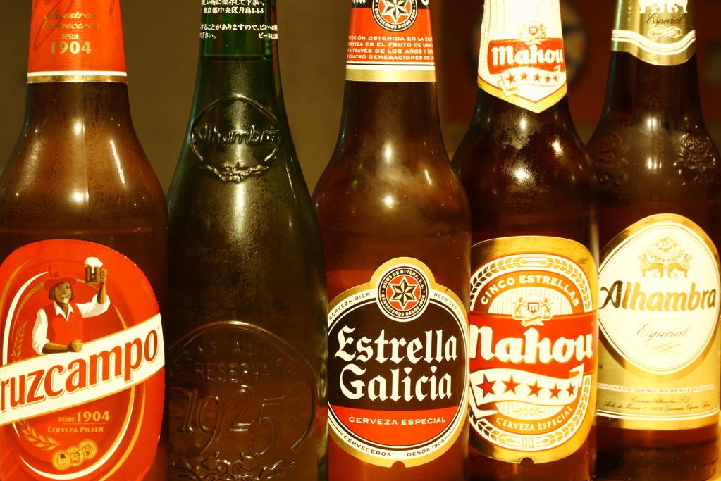 マドリッドやバルセロナ、北部ガリシアや南部アンダルシア、更にアラゴンまで!続々とスペインのご当地ビールが彩ります