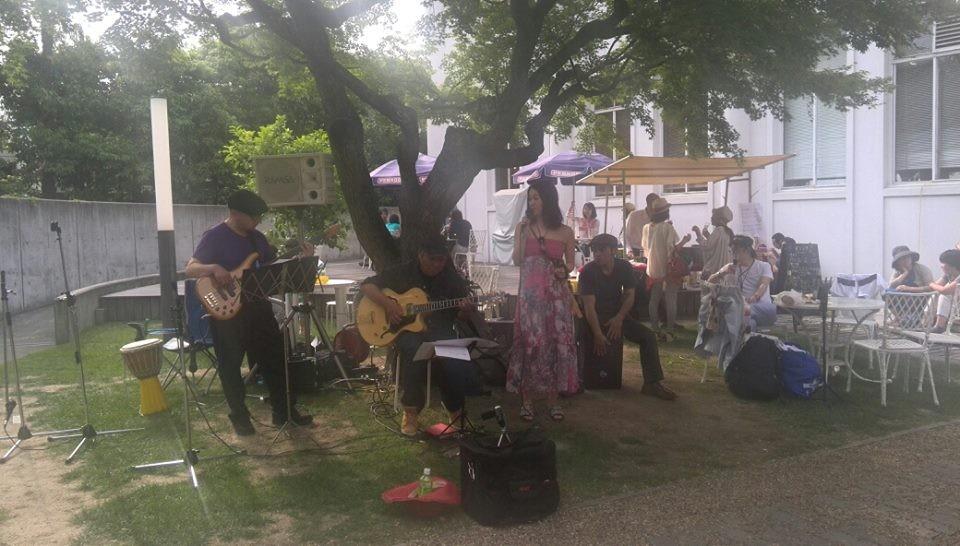 毎月第4日曜のスペシャルディナーで演奏していただいているユカフレンズジャズバンドの皆様に演奏をしていただきました
