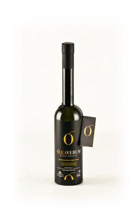 オレアヴェルム エクストラヴァージンオリーブオイル スペイン・カタルーニャ州産アルベキーナオリーブを低温でゆっくりと搾りました。