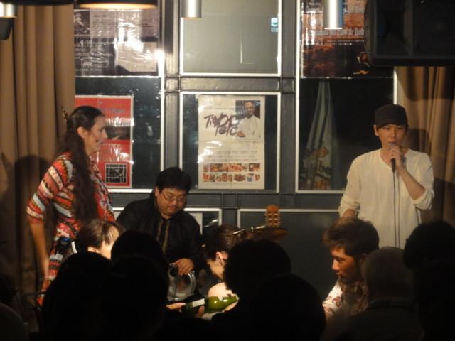 2013年8月 フラメンコピアノライブ カルメン・アルバレス、池田一平さんを迎えて 70名以上の来客に店内は沸騰