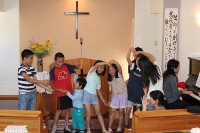 礼拝での子どもたちの賛美♪