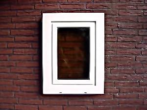Erfolgreich renoviertes Kunststoff-Fenster - wie neu - mit Bergotec Kunststoff-Fenster-Lack