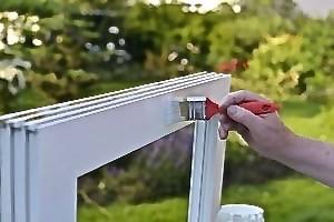 Kunststoff-Fenster-Rahmen mit Bergotec Kunststoff-Fenster-Lack  fertig lackieren