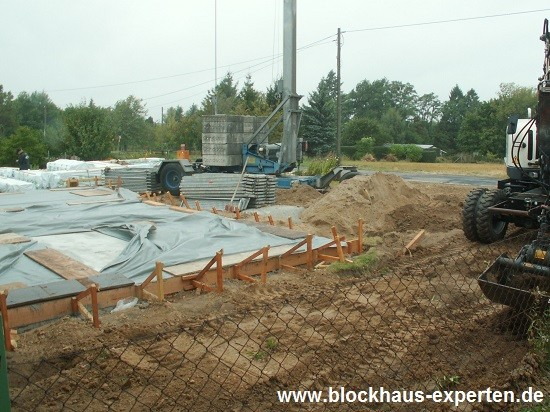 Bodenplatte - www.blockhaus-experten.de
