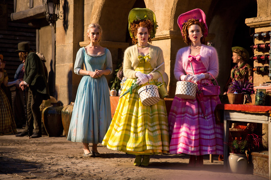 Cinderella - Lily James - Holliday Grainger - Sophie McShera - Disney - kulturmaterial
