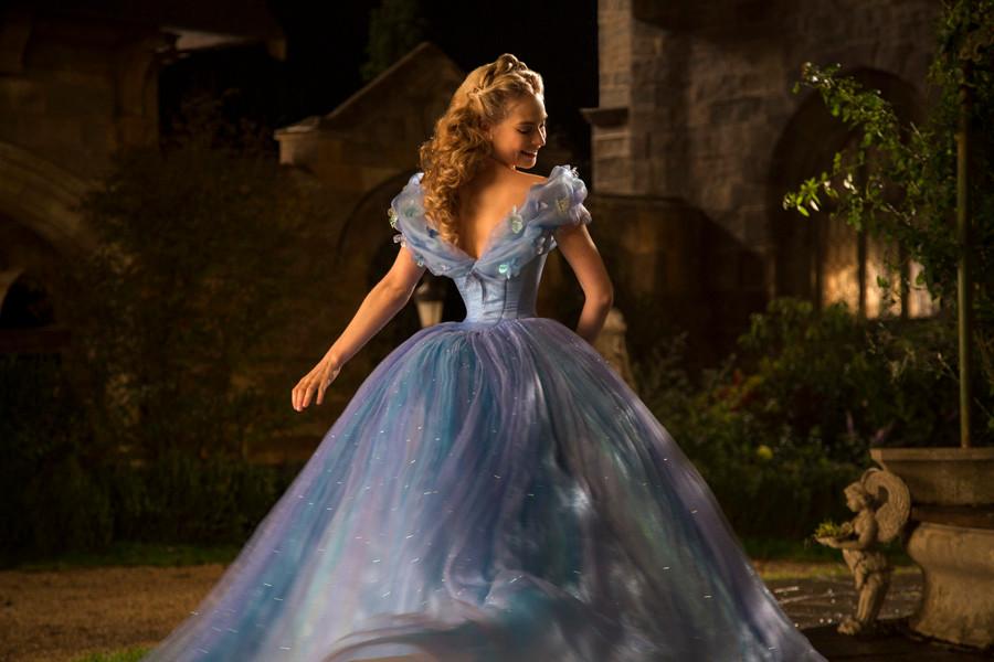 Cinderella - Lily James - Disney - kulturmaterial