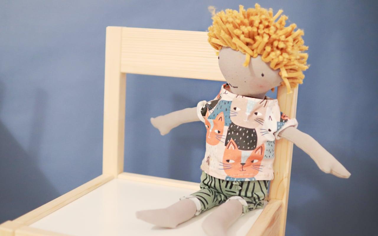 Puppe selber nähen mit Kleidung