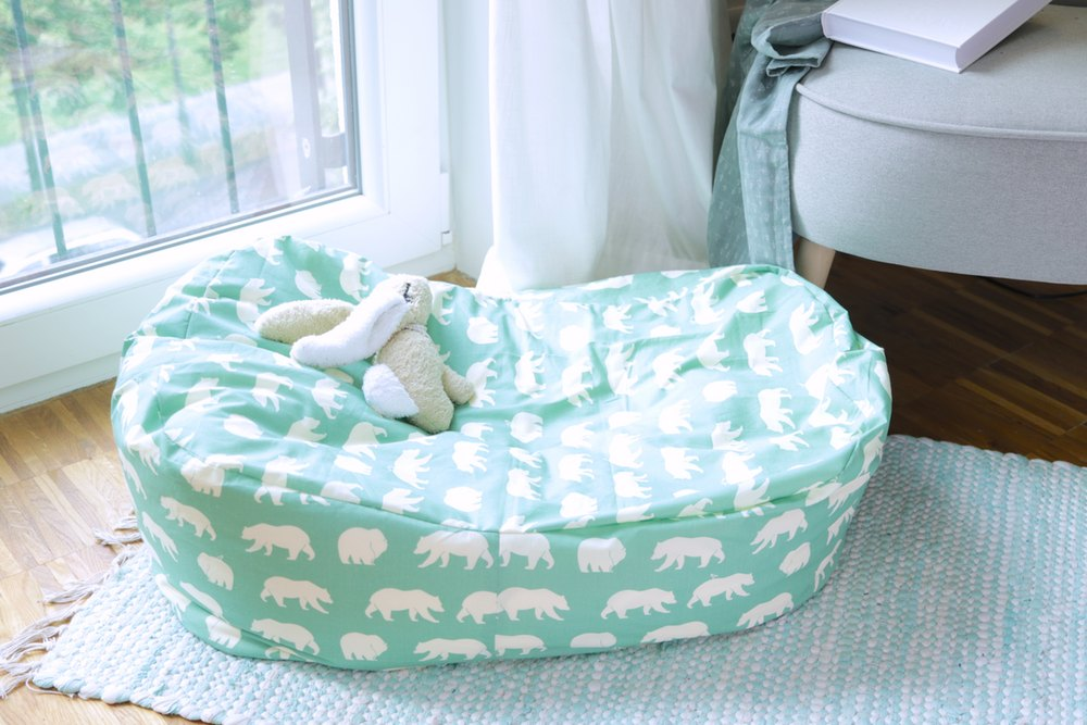 Babybettchen und Kindersitzsack nähen - DIY Eule