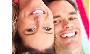 Eine regelmäßige Prophylaxe schützt vor Karies und hilft Mundgeruch und Parodontose vorzubeugen. Hier zeigen wir Ihnen wie. © Kurhan - Fotolia.com