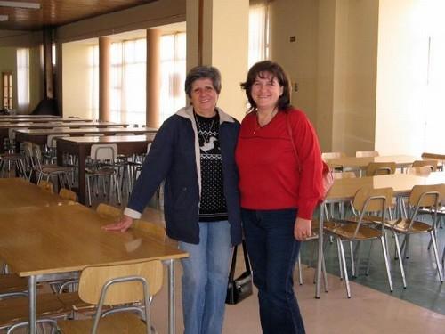 EX ALUMNAS : JOSEFINA CARRASCO Y NUBIA ALARCON.