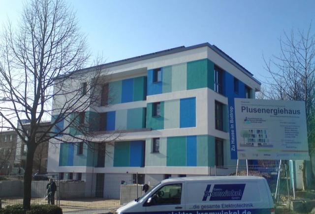 Neubau von 6 öffentlich geförderten Mietwohnungen in Passivhausbauweise mit Mitteln von Bund und Land in 46242 Bottrop. Architekt: S&K Architekten ; Bau-/Projektltg.: Arch.G.Welter