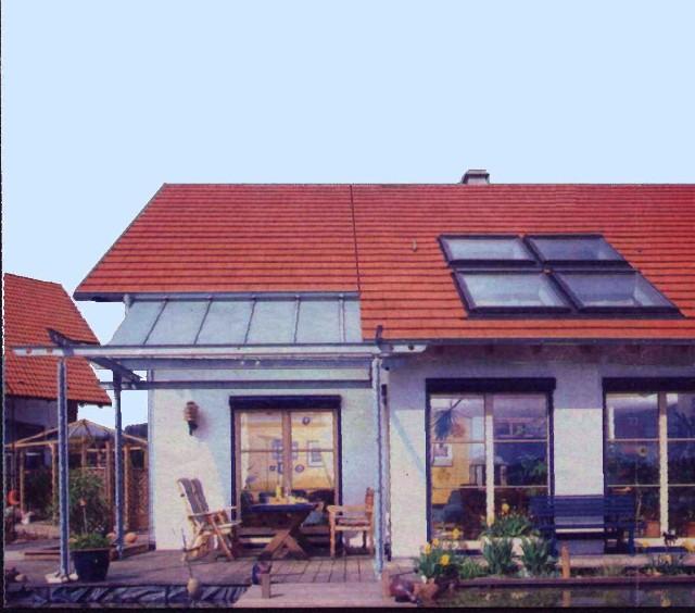 Anbau an ein Einfamilienhaus, ohne Unterkellerung,  ca. 150 m3 umb. Raum Ausstattung/Verglasungsanteil =gehobener  Standard, Sitzgruppe aussen mit vergl. Vordach.