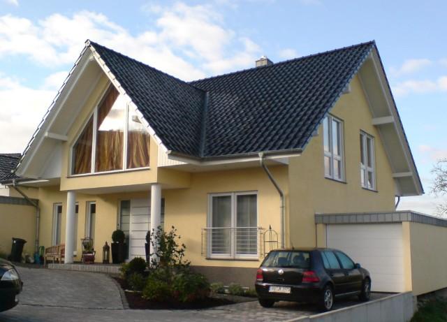 Großzügiges EFH mit Unterkellerung und Garage  in exponierter Lage in Wetter, ca. 205qm WFL,  große Giebelfensteranlage mit Sonnenschutzverglasung.