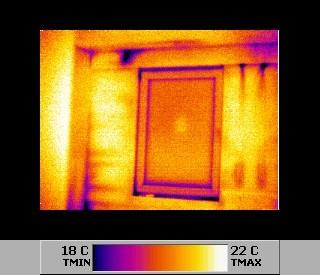 Ir - Wärmebildaufnahme mit Befund von Energieverlust (undichte Gebäudehülle)