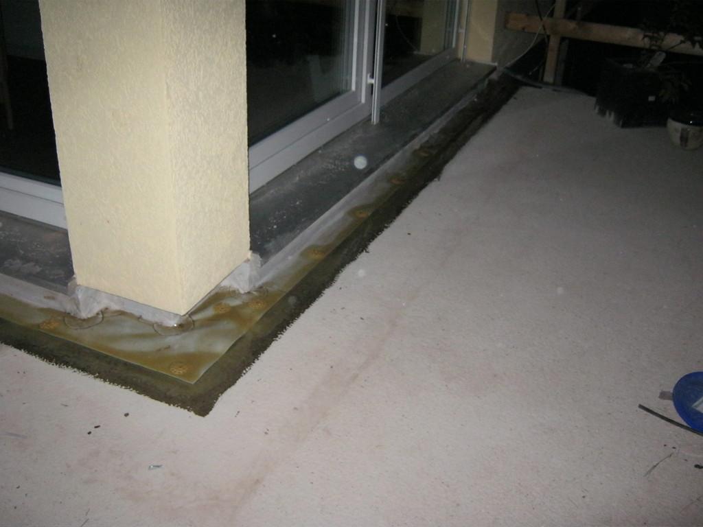 Grundierung der Dachfläche und Anschlüsse