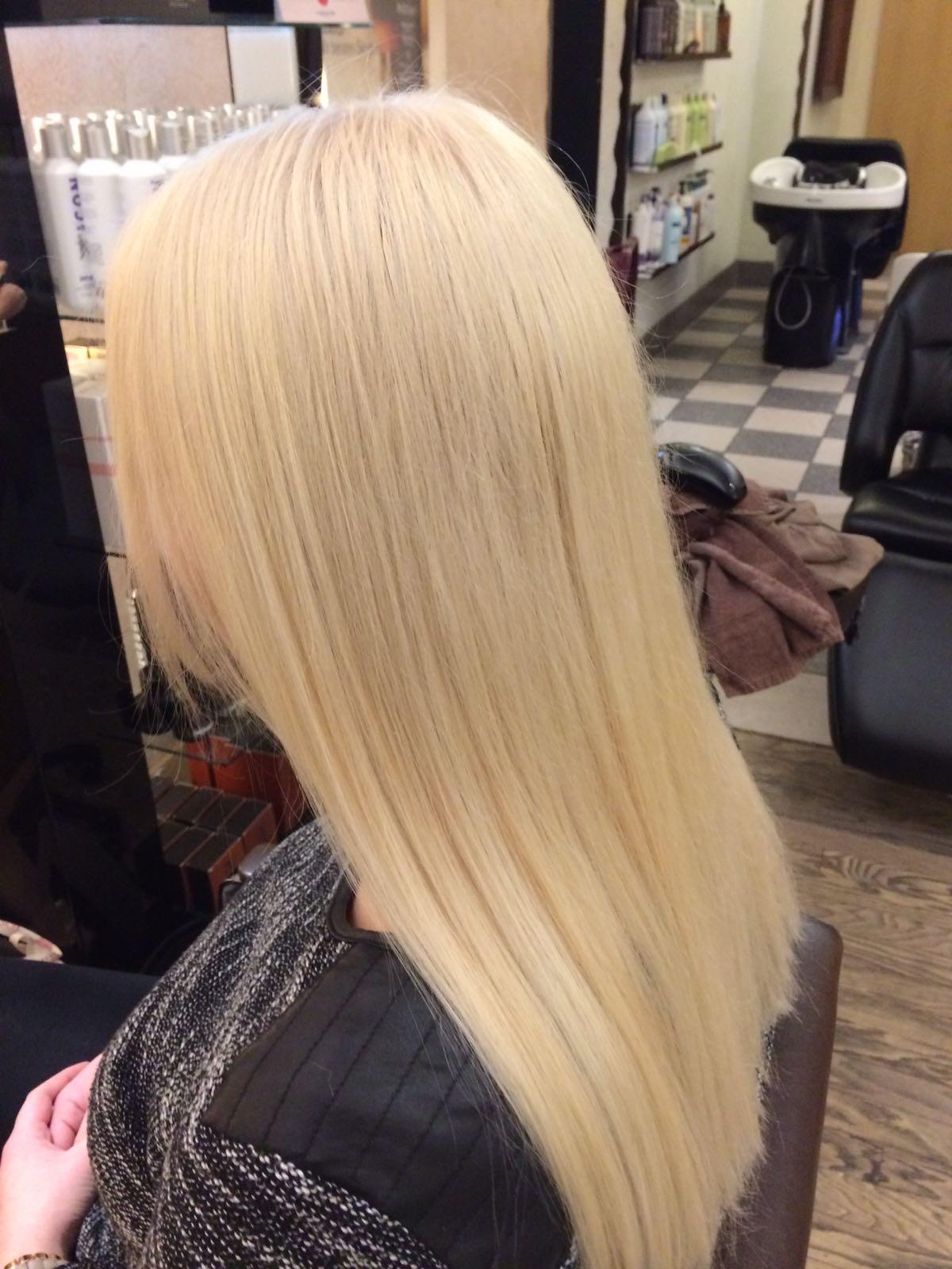 julia top stylist haarschnitt langbob bredtmann friseur in wuppertal