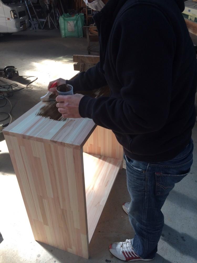 棚製作をお手伝いさせていだきました。ペイントはご自分で施工されました。