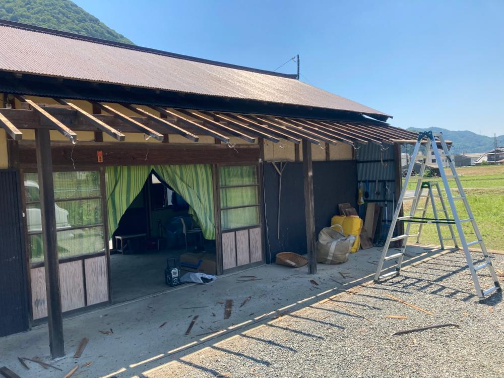 解体〜増築 農業倉庫を一部車庫にしていきます。