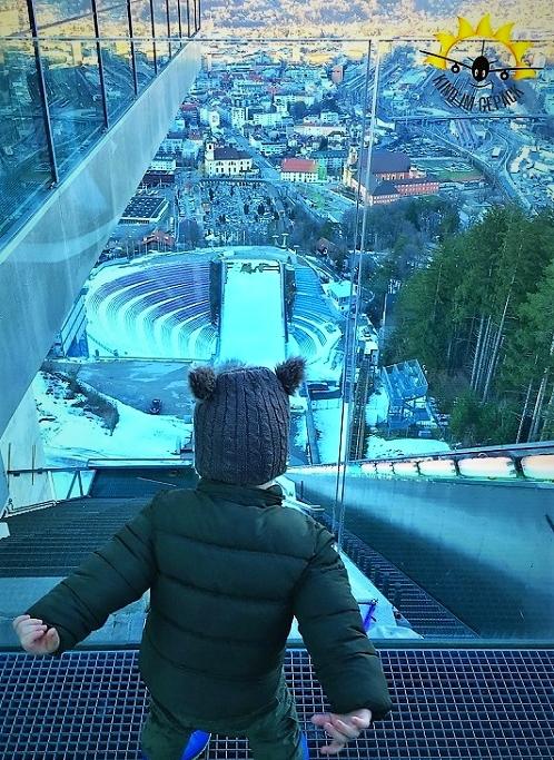 Blick von der Bergisel-Skisprungschanze auf Innsbruck. Ein Erlebnis für Groß und Klein.
