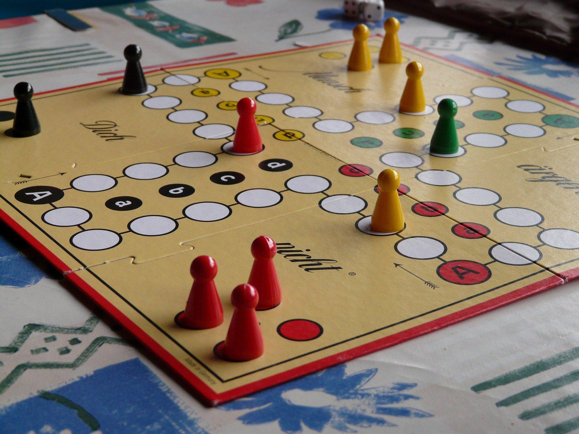 Brett- und Gesellschaftsspiele © Hans, Pixabay