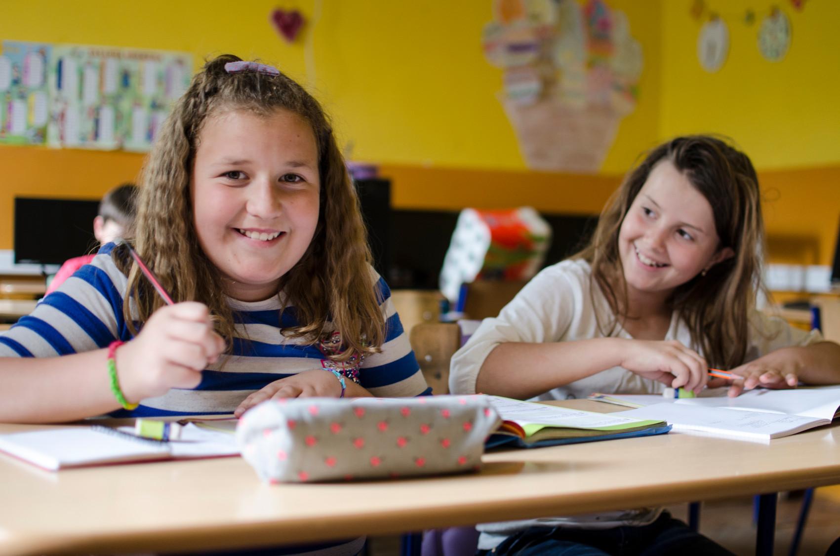 Das Spendengeld soll insbesondere für Hausaufgabenhilfen verwendet werden. © SOS-Kinderdorf International, Katerina Ilievska