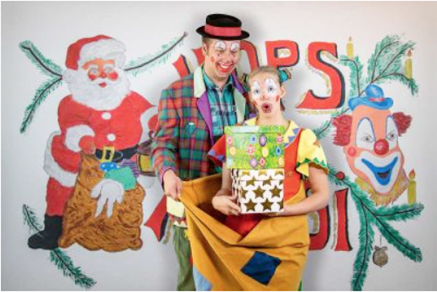 Di, 3. Dezember, 10 Uhr: Hops & Hopsi im Spielzeugzimmer des Weihnachtsmannes. Clowns-Theater mit Spiel, Spaß, Jonglage, Musik und Zauberei im Freizeitforum Marzahn | © Christian Rock