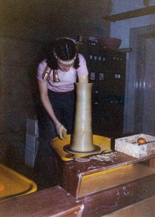 Drehen einer Bodenvase, 1981 (in der Ortweinschule, Graz)