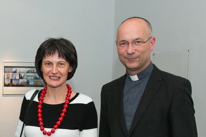 Künstlerin Stefanie Grüssl, Dompfarrer Toni Faber