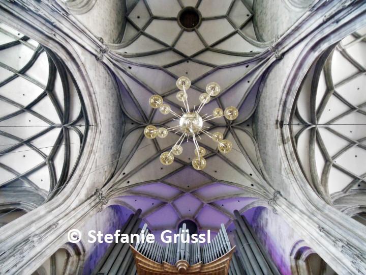 03 Gewölbe mit Orgel