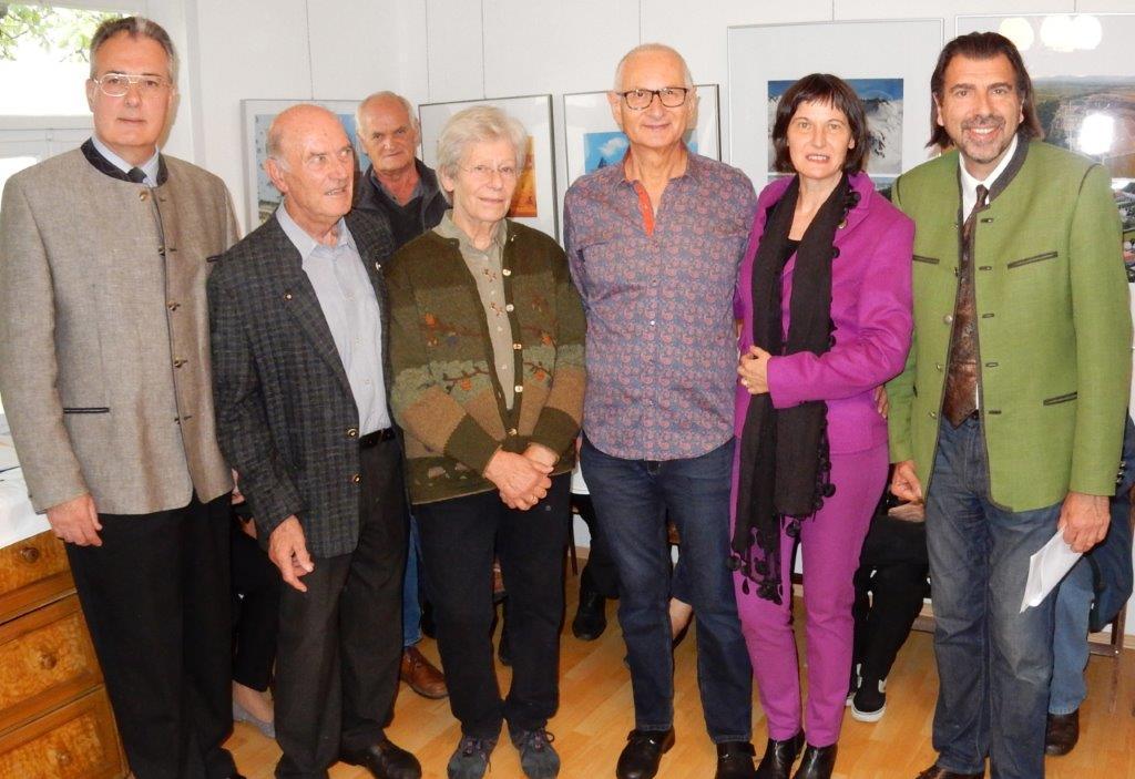Bezirkshauptmann Dr. Helmut-Theobald Müller, Erich und Yvonne Nauschnig, Gerald und Stefanie Grüssl, Bürgermeister Mag. Josef Wallner
