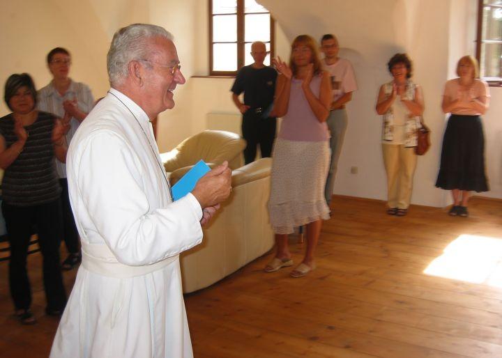 Abt. Angerer eröffnet die Bilderschau
