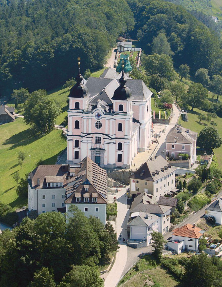 Pfarr- und Wallfahrtskirche Sonntagberg, Luftbild © Stefanie Grüssl