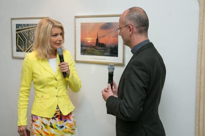 Eröffnung der Ausstellung mit Hausherrn Dompfarrer Toni Faber
