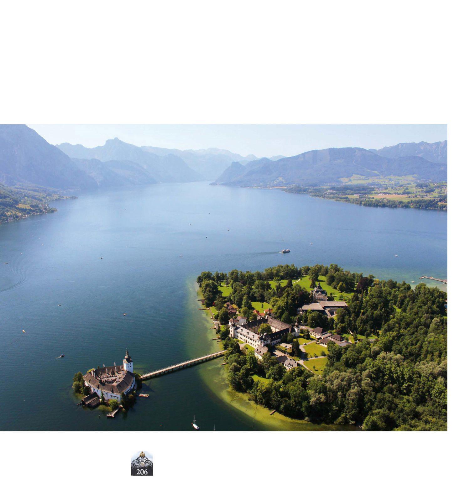 Schlossensemble in Gmunden, Luftbild © Stefanie Grüssl