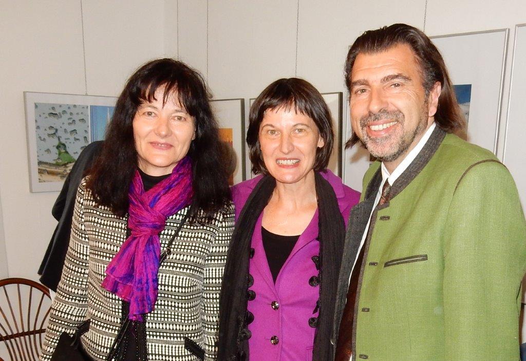 Susanne Wechtitsch, Stefanie Grüssl mit Bürgermeister Josef Wallner