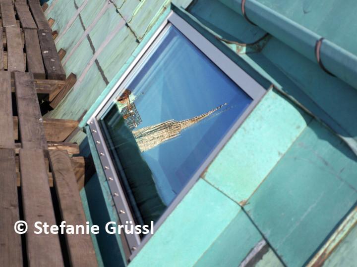 22 Spiegelung in Dachfenster, Regierungsgebäude Stubenring