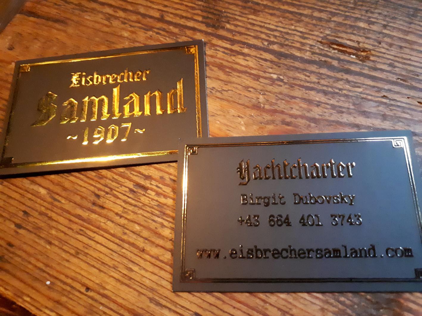 3.) Visitenkarten - das erste Giveaway - edel auf matt schwarz mit erhabenem Golddruck