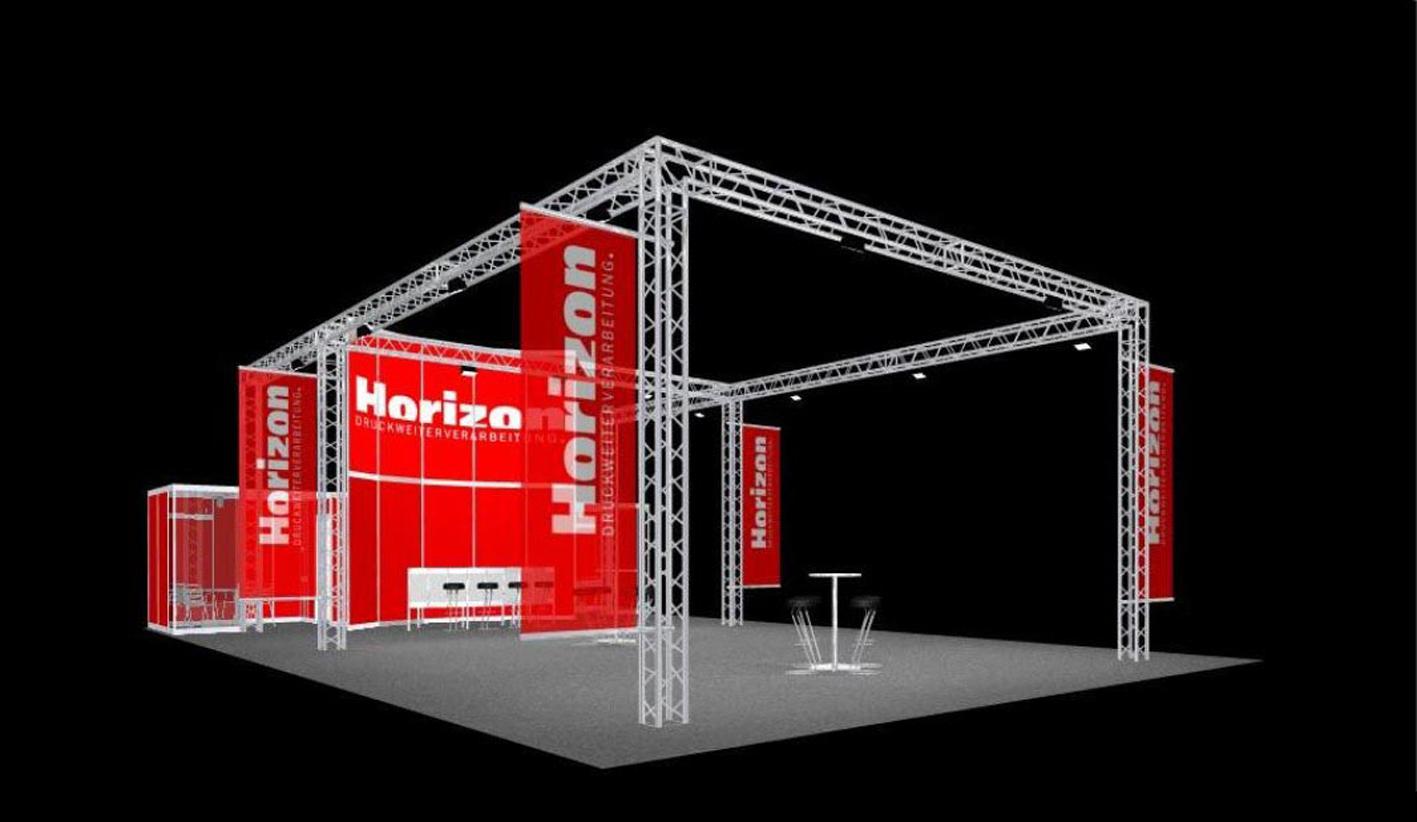 rot, hoch, auffallend, viel Platz für Exponate in allen Grössen. Optische Erweiterung durch ausgestellte Mesh-Banner